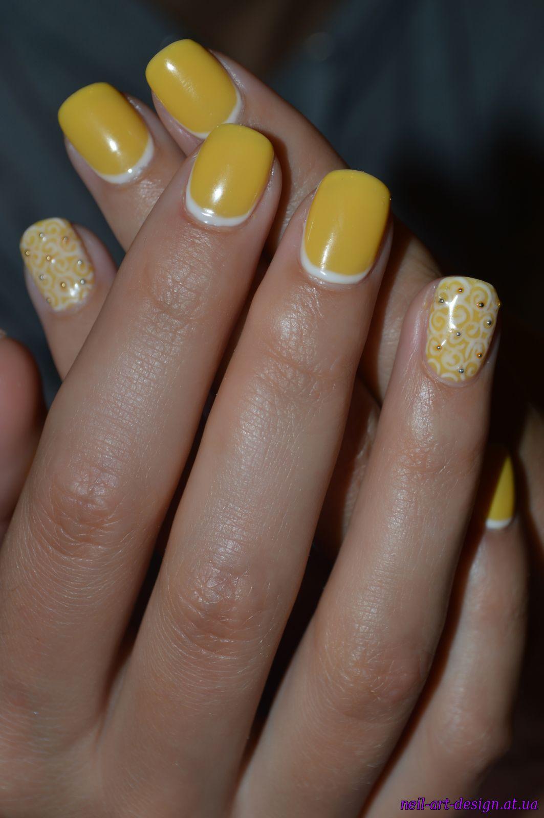Маникюр в желтых тонах фото шеллак