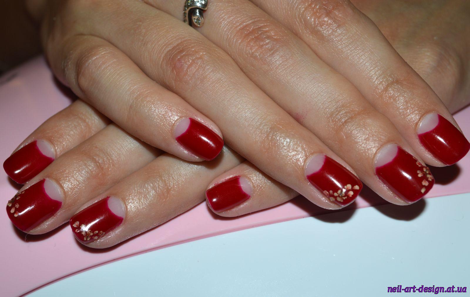 Вишневый цвет ногтях фото